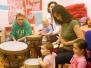 Skupinové bubnování rodičů s dětmi